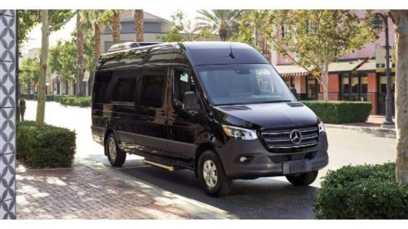 Mercedes sprinter United Top Limo